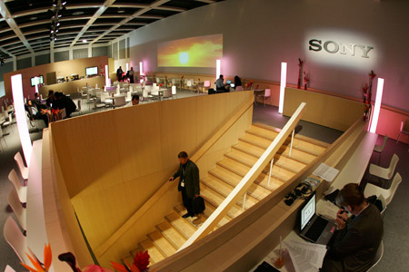LOUNGE AND STAIRS � BUSINESS AREA